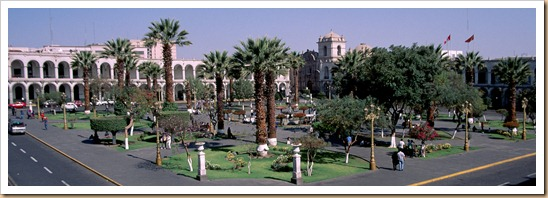 Arequipa-plaza-armas-c01